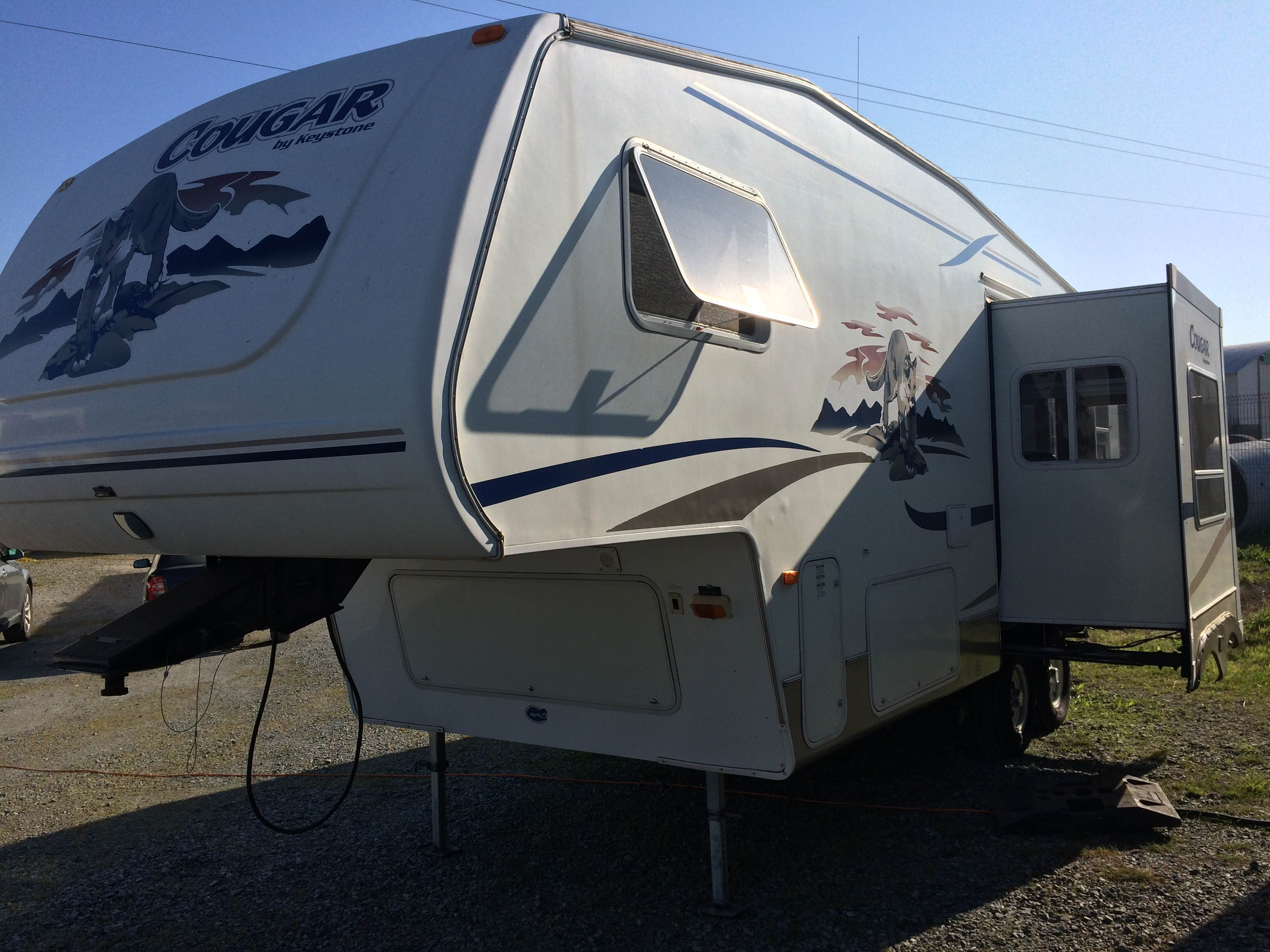 Fifth Wheel Cougar 26' 29900€