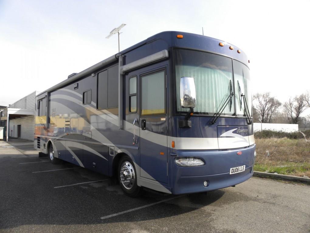 Winnebago journey 129000 camping car poids lourd for Decoration exterieur de camping car